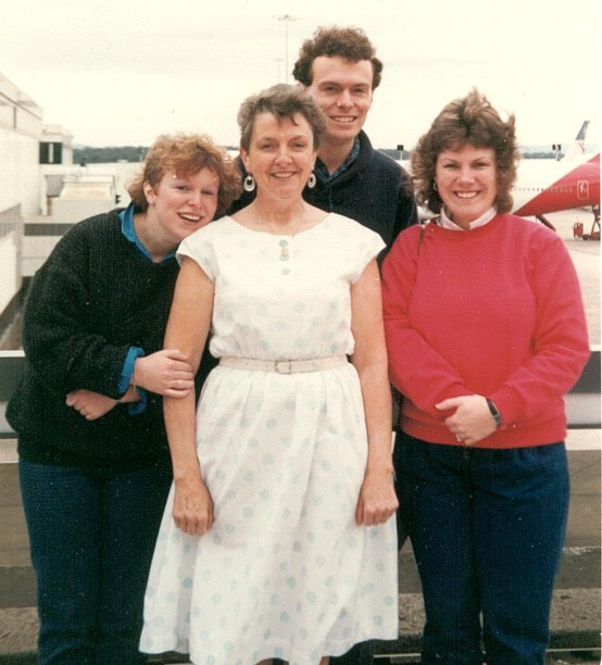 Tamara,  Mum , myself and Cindy at Tullamarine Airport in Melbourne, November 1987.