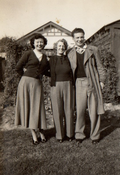 (lr) Aunty Joan, my Nana (Evelina Griffin) and my Dad ( Wallace Duncan Campbell );